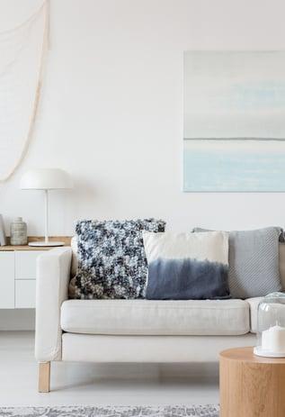 divan sectionnel dans un salon